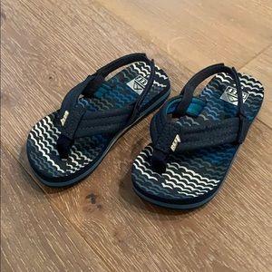 Toddler Reef Flip Flops (Size 5/6)